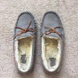 Ugg women's Dakota slipper in pewter size 9